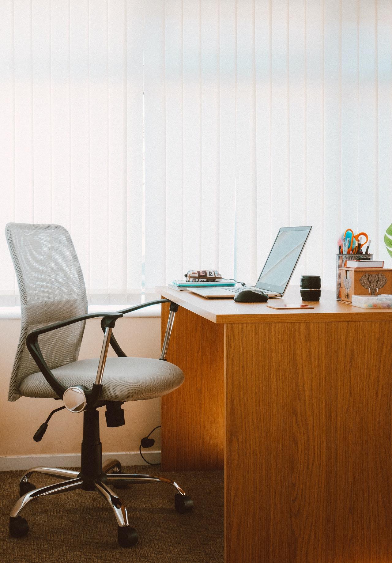 biurko pracownika